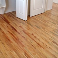 Red Oak Special Prefinished Solid Wood Flooring Specials at Cheap Prices